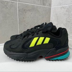 Adidas YUNG-1 TRAIL SHOES Size 4 Men